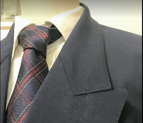 ネクタイをしめれない人はいらない